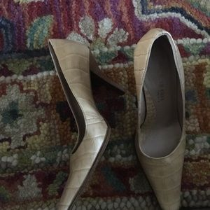 Kenneth Cole high heel shoes 5.5 M